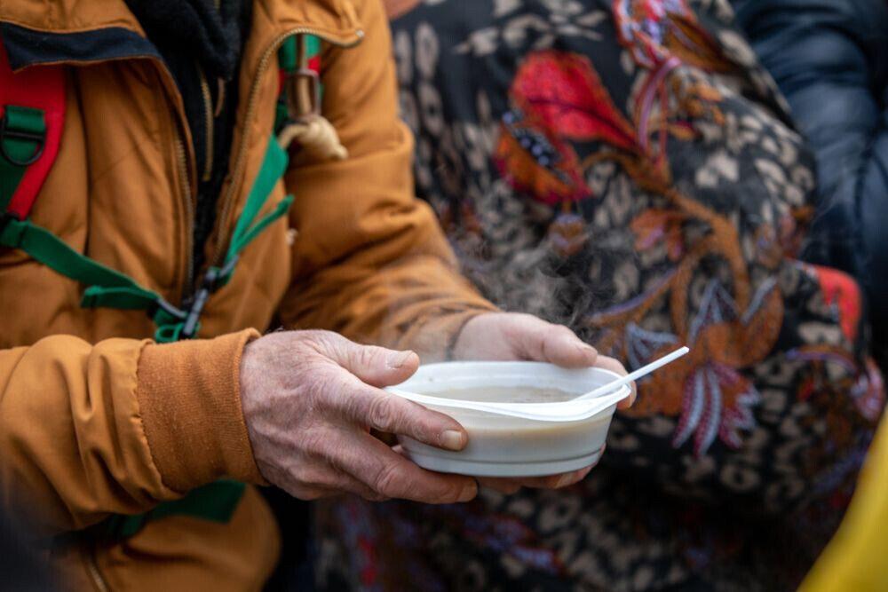 Евгений Стружак: «Давайте небудем проходить мимо чужой беды ипоможем бездомным людям пережить холода»