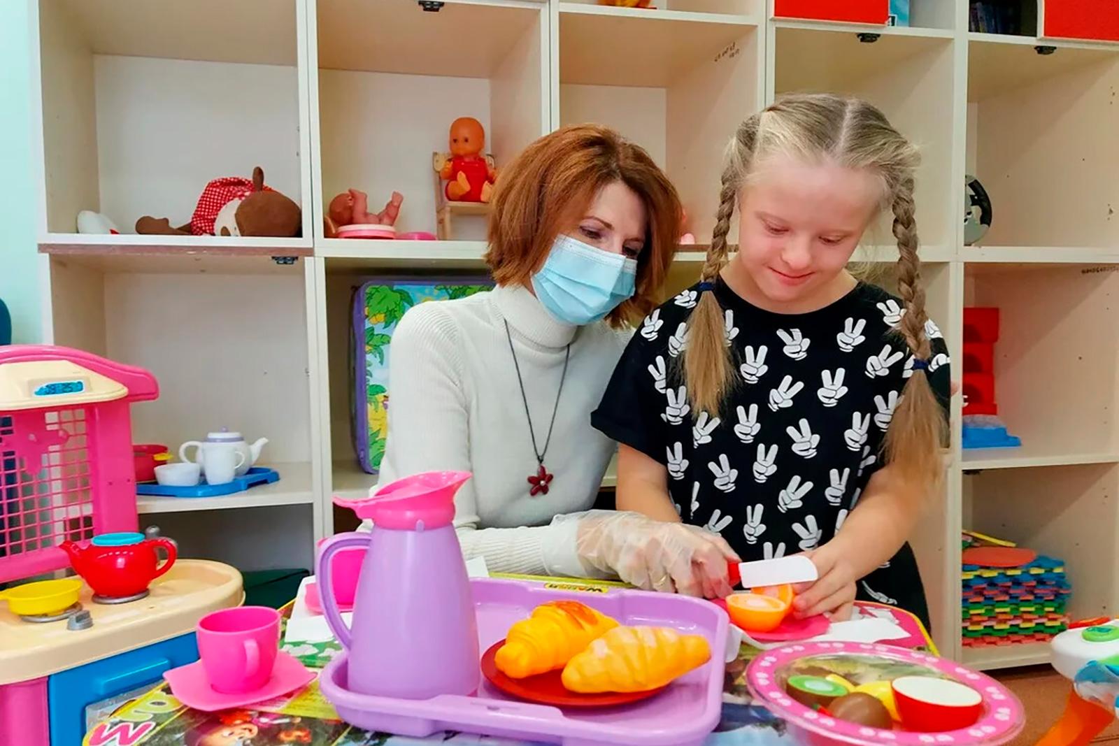 Евгений Стружак поздравил сотрудников московских реабилитационно-образовательных центров идругих социальных учреждений для детей сДнем Учителя